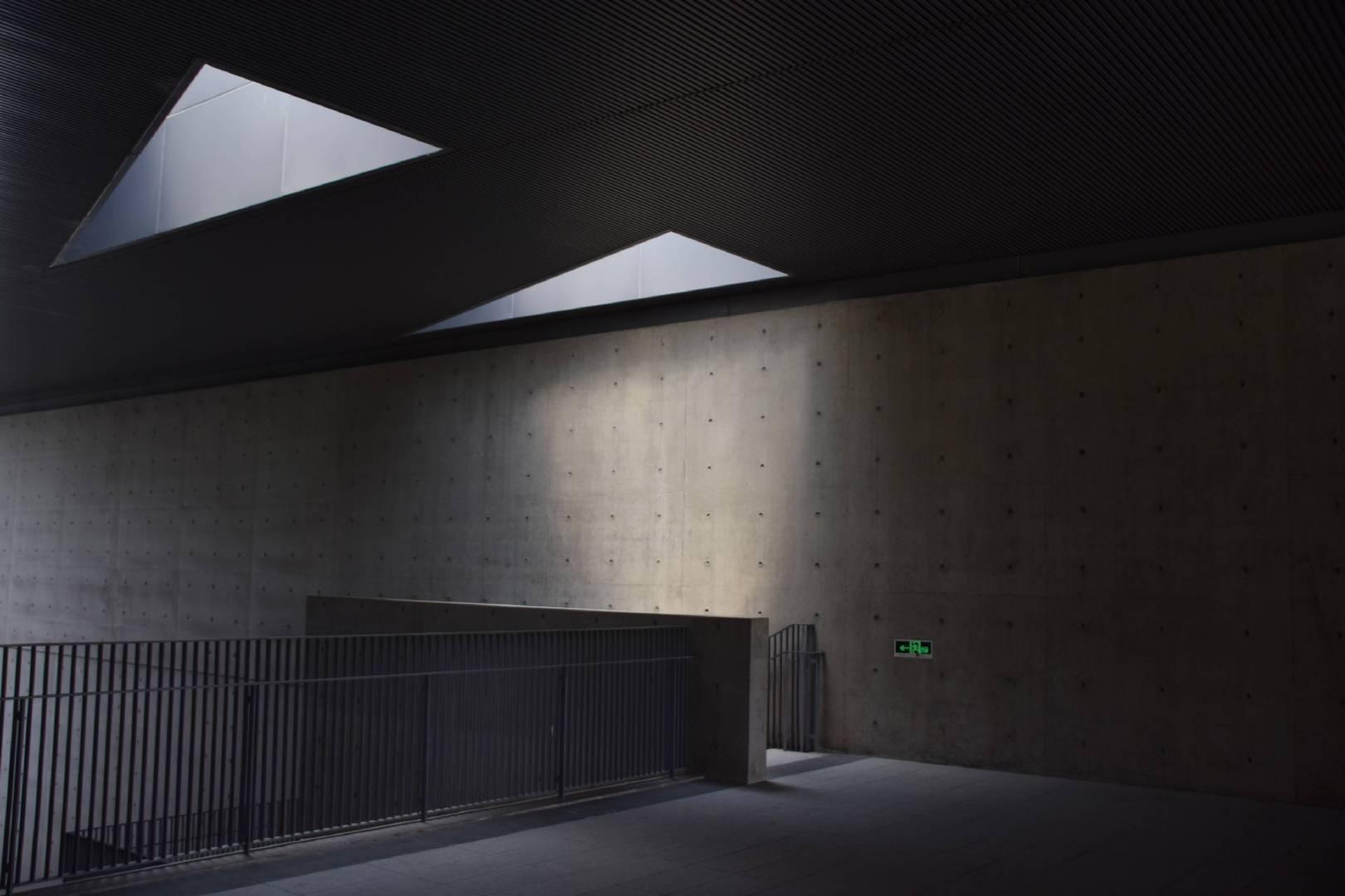 安藤忠雄的混凝土美学 杭州良渚文化艺术中心 |投稿来自@灬Mr丶Sun灬