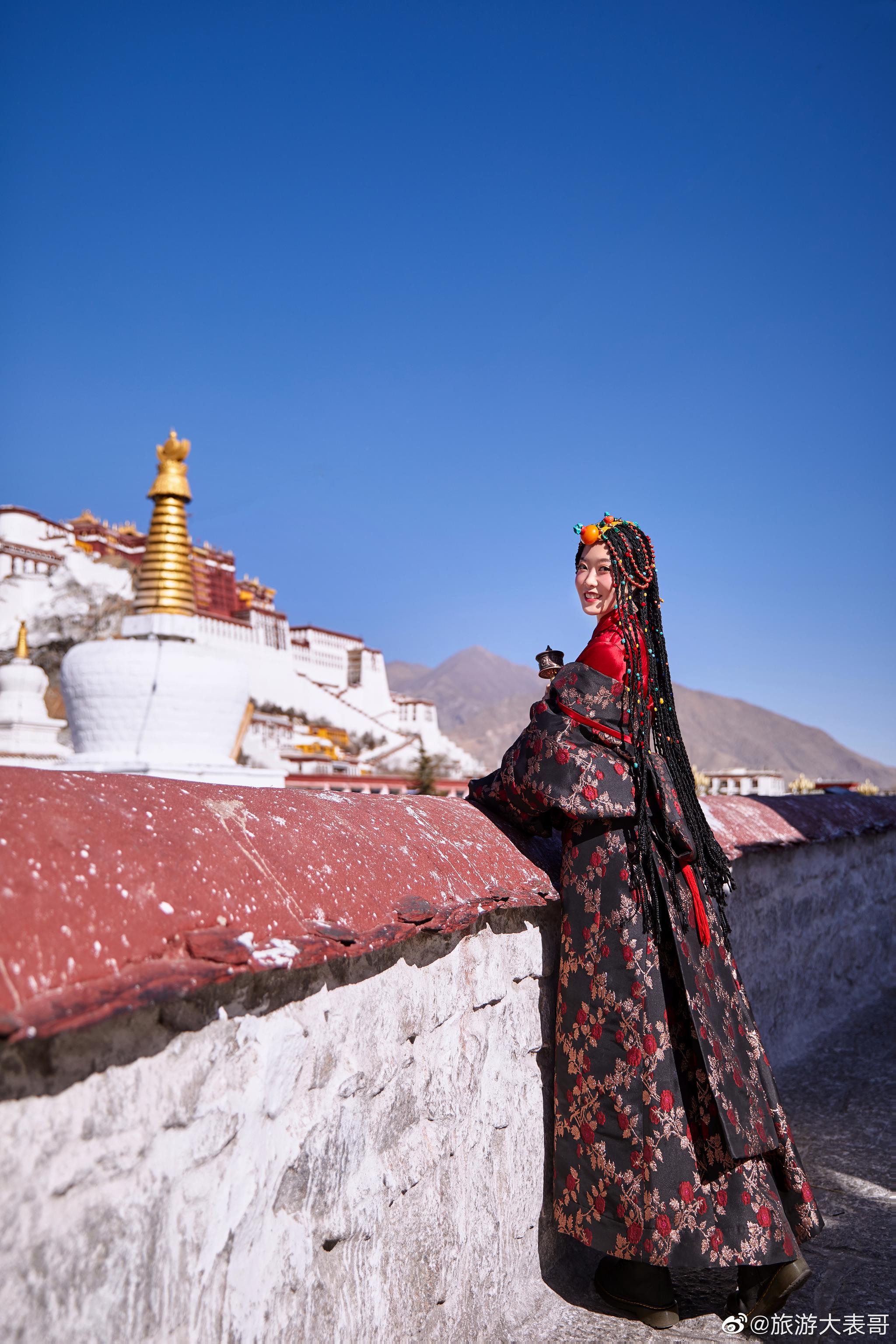山有顶峰,海有彼岸,来趟西藏拉萨,慢慢长途,终有回转。