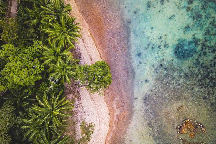 碧海蓝天——科隆岛。