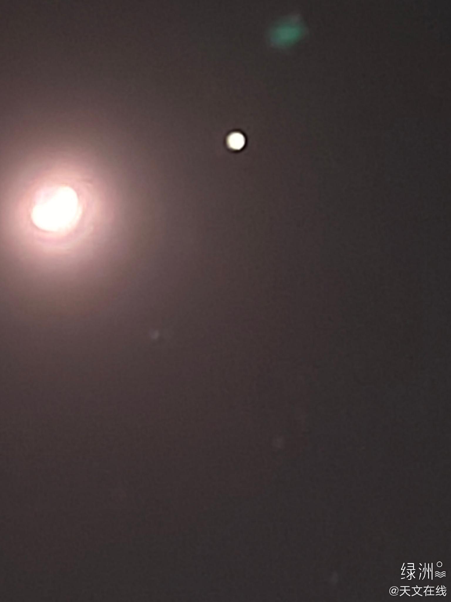 这里是抚仙湖!今晚的双星伴月,双星为木星和土星