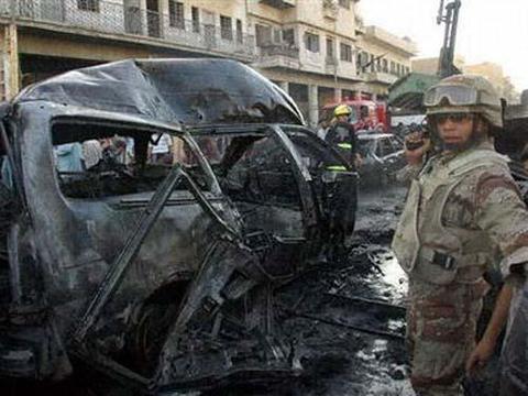美军空袭遭报复,补给车队被炸,以色列货轮也意外爆炸!