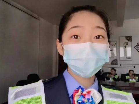 太治愈了!隔着口罩都能看到她在微笑服务