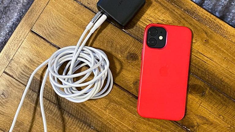 只需改下设置,不用换充电器,也能提升iPhone12充电速度!