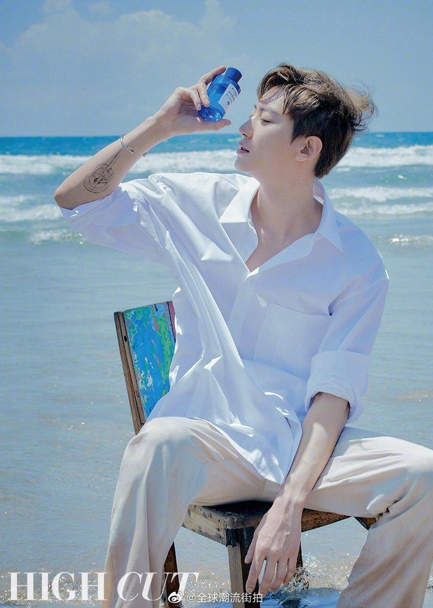 朴灿烈 ×《HIGHCUT》四月封面。充满男性魅力的西裤白衬衫