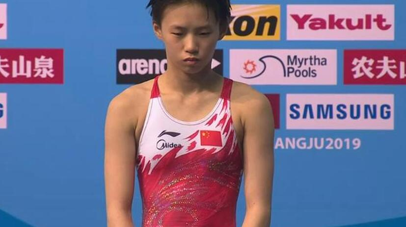 游泳世锦赛,两位14岁天才少女包揽冠亚军