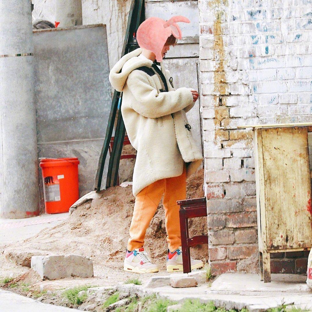 打工人,鹿5晗,期待明天的新专辑哈哈哈哈这也太可爱的小鹿鹿啦