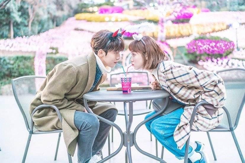 翻拍自韩剧《举重妖精金福珠》的《原来是你》由张轩睿、罗予彤出