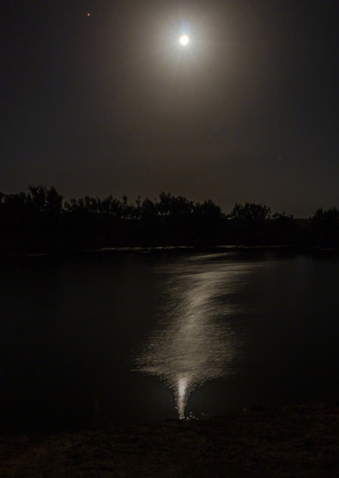 残星几点雁横塞,长笛一声人倚楼晚安