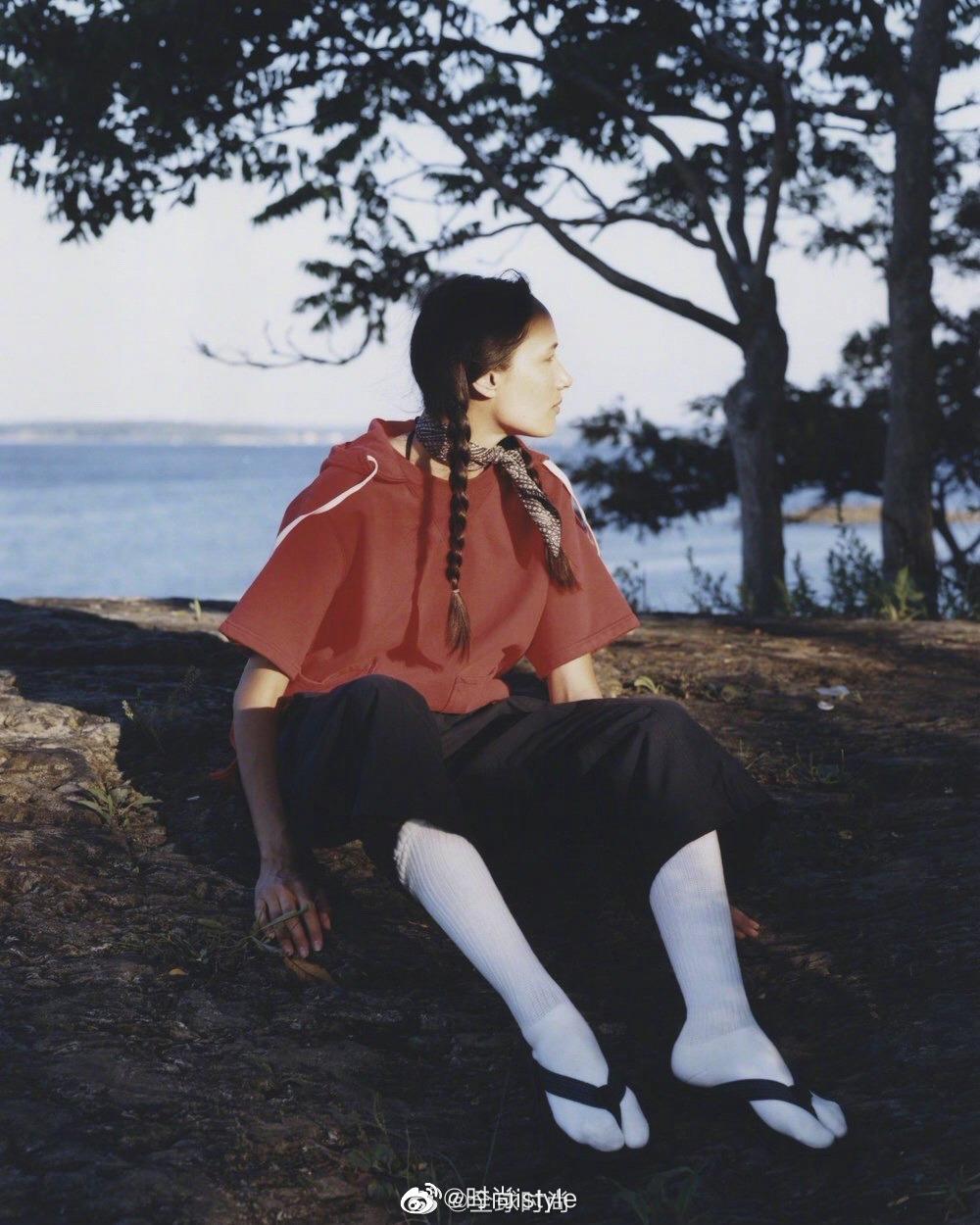 EASTLOGUE SS19 超自然系列 没有一丝修饰 从拍摄环境到服装到头发丝