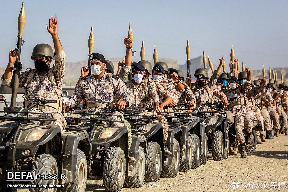 """伊朗三军在阿曼湾举行""""Zolfaghar-99""""联合演习"""
