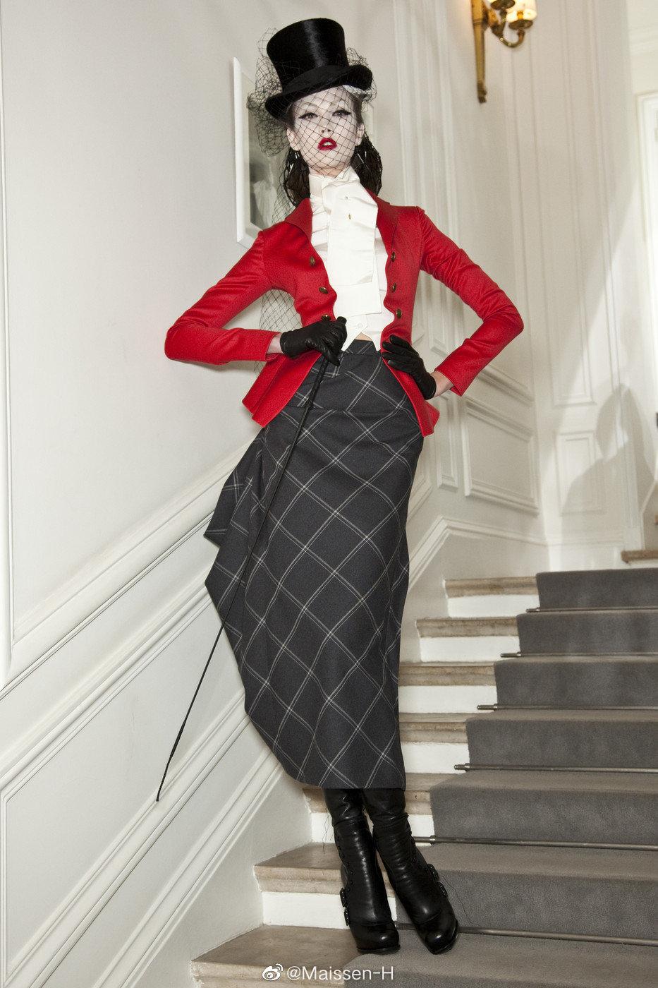 Dior ss 2010 Couture | John Galliano塑造的时代美人~潇洒的骑士装