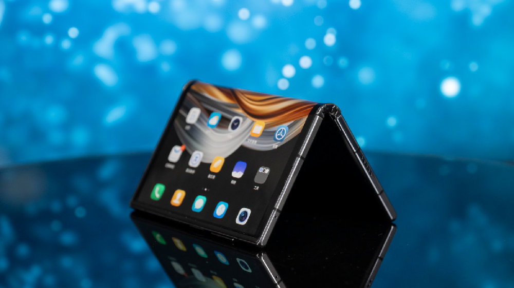 开合之间,纵享未来:9988元 柔宇FlexPai 2折叠屏手机上手体验