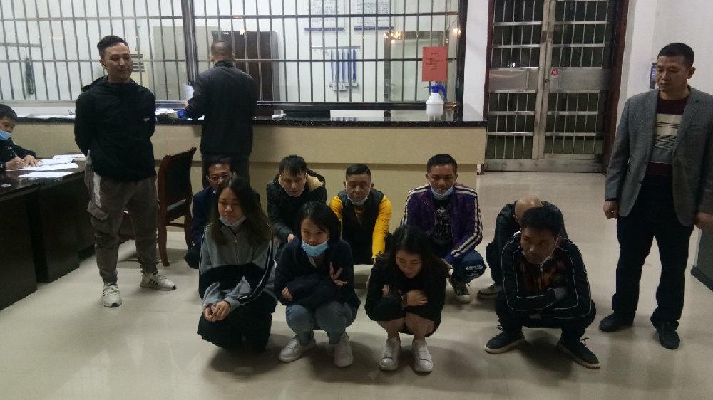 广西贵港市平南县:  【冬季飓风】10名吸毒人员隐藏私人会所 平南警方