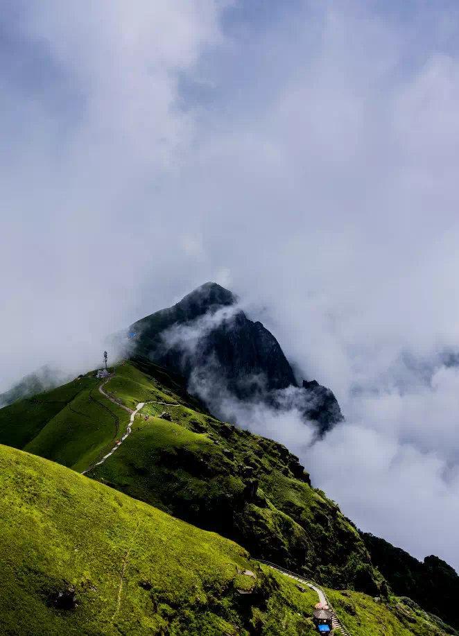 江西武功山,云端草甸,户外徒步爱好者的天堂。