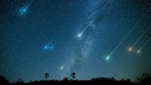 壮观的英仙座流星雨即将迎来高峰时刻,科学家说它是来自这颗彗星