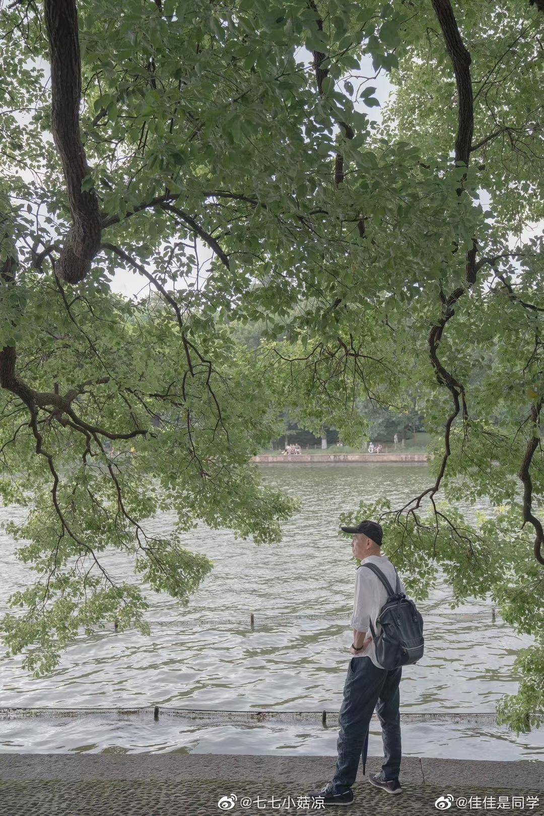 学员作品欣赏,来自Jia@佳佳是同学 的父亲。山河间的身影