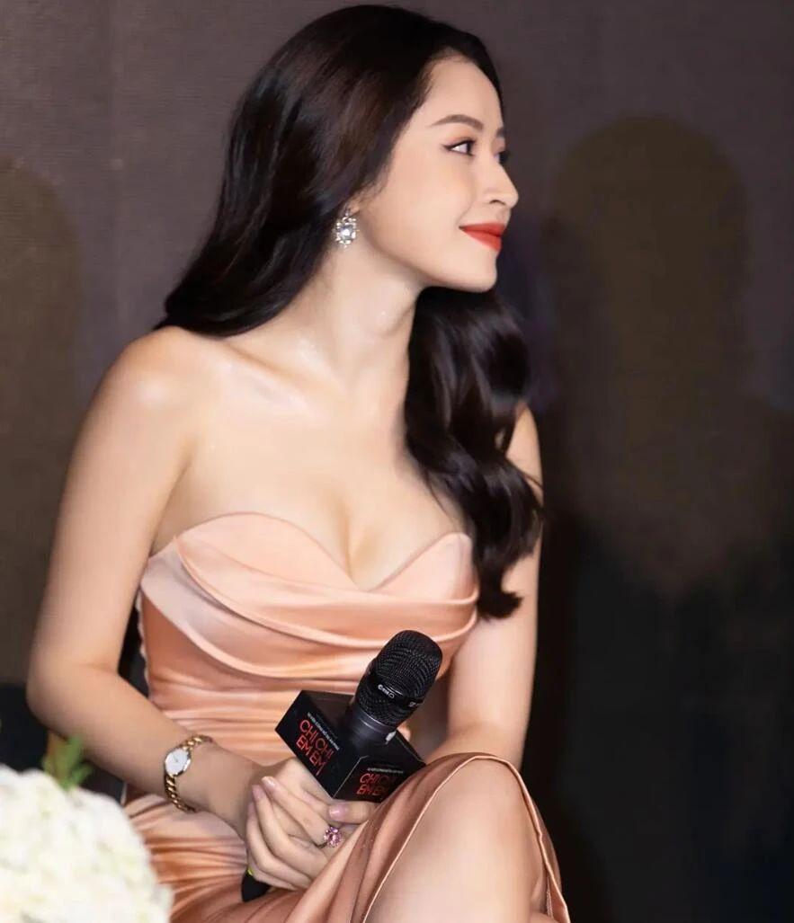 越南第一女神,被誉为柳岩和杨幂的翻版,还是华为的代言人!