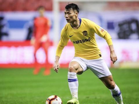 中超季前热身赛:苏宁5-2大胜预备队,多点开花5人取得进球