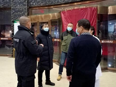 二连浩特市疫情防控督查组检查集中隔离观察点疫情防控工作