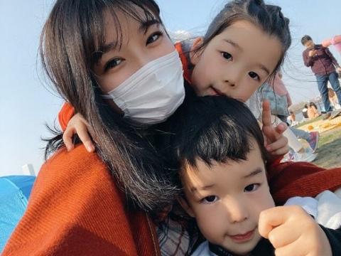 王栎鑫前妻吴雅婷自曝是疤痕体质,剖腹产生儿女后,长期打除疤针