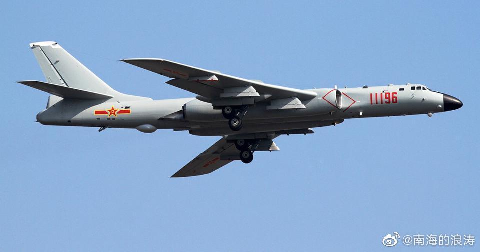 《福布斯》:喀什机场除了飞豹和筷子系列,还出现了轰六K机群