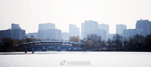 秀美湖城 水墨映像