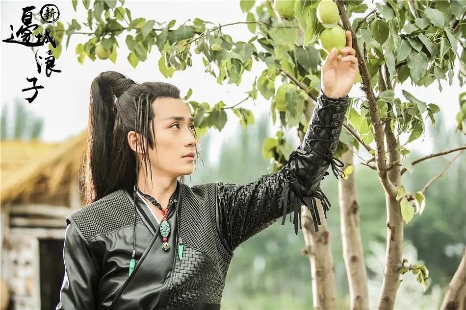 朱一龙在《新边城浪子》中饰演傅红雪