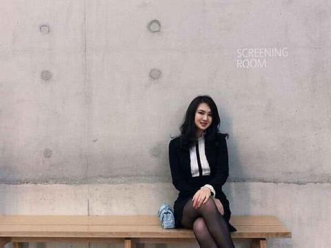 父亲是中国隐形首富,她不随父姓几乎无人知,考入哈佛还有大长腿