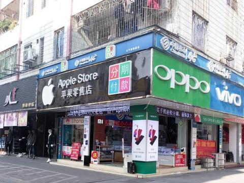 满大街都是手机专卖店,没人买为何也不倒闭?看完才发现水很深