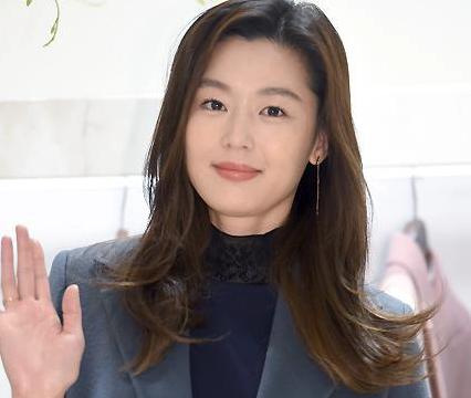 韩国女艺人全智贤丈夫崔俊赫升任公司CEO