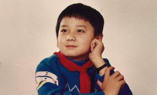 4岁出道演主角,6岁就获得百花奖影帝提名,长大后沦为配角