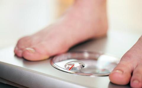 若能在40岁前控制好体重,患病风险会低一点?麻烦做好这2点