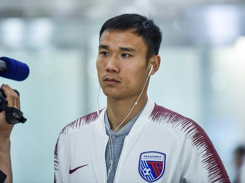 足球报:郜林转投深圳后,张成林也私下询问过加盟可能