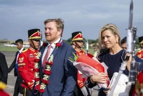 荷兰国王伉俪抵印尼国事访问,迎接荷王彩排中有人死亡