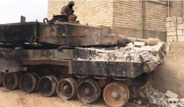大量装甲车被炸成废铁,俄军下令使用集束炸弹,军方拒绝任何谈判