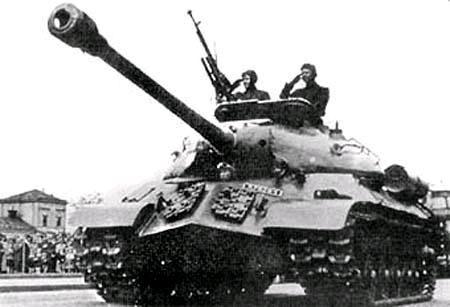 二战时期日本军官竟用武士刀摧毁了一辆苏军坦克