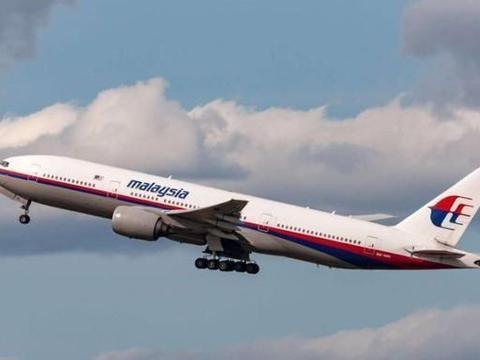 MH370空难调查出现新方向,客机起飞40分钟后,驾驶舱突发大火