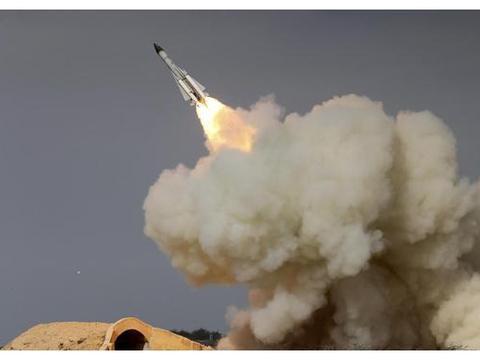 25枚导弹直刺千米高空,20架土耳其军机惨遭炸碎,俄:打得漂亮