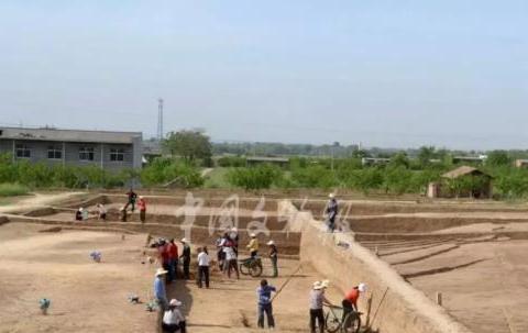 """秦始皇陵园发现大型陪葬墓,""""金骆驼""""现世!"""