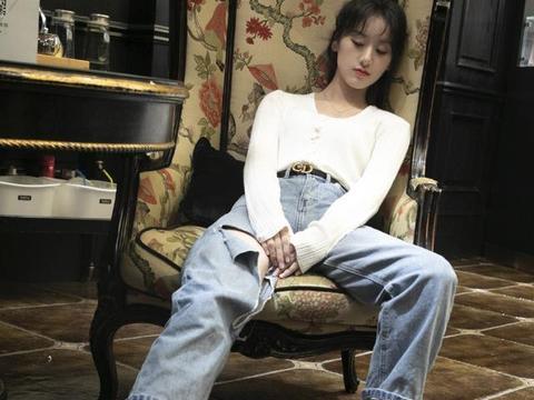 """《老九门》中她是张艺兴老婆,今穿""""泼墨""""连体短裤,美腿太吸睛"""