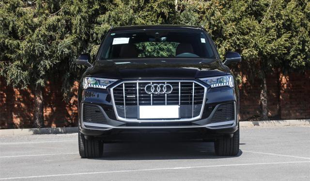 新款奥迪Q7现已开启预售,首批将推出三款车型
