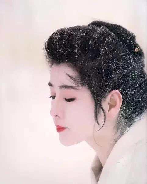 昭和时代最美四大女神:吉永小百合,松坂庆子入围,她实至名归