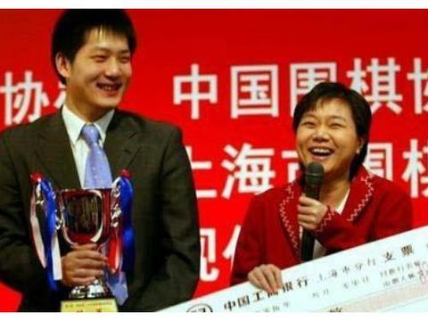 韩国围棋新锐叫板中国围棋第一人,比赛结果很打脸