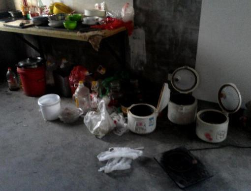 娶了个邋遢老婆,整天不收拾家务,毛坯房不到两个月变成垃圾场