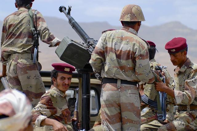 巴林局势不稳,伊朗支持什叶派革命,沙特2万大军进入巴林平叛