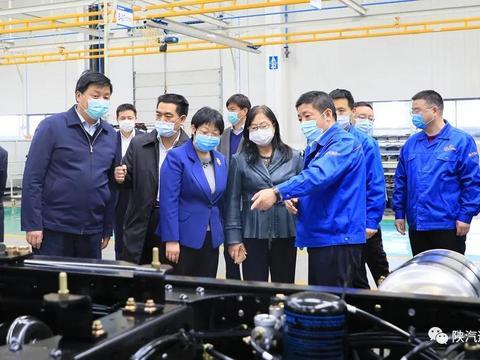 商务部市场建设司副司长胡剑萍到陕汽宝鸡板块调研