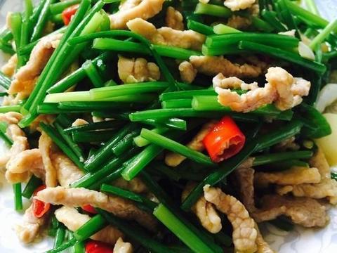 韭菜苔炒肉丝,老干妈炒鱿鱼干,肉末茄丁这几道家常菜的做法