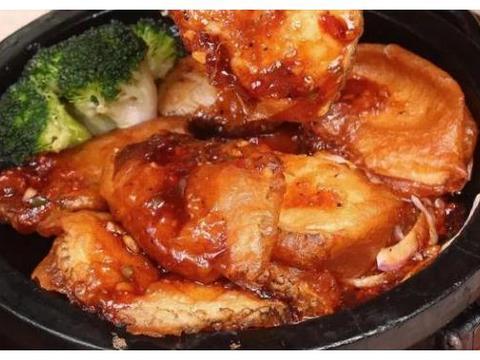 美食爆款:奶香红薯窝窝头、鸡蛋米饼、铁板三杯银鳕鱼、神仙鸡