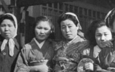 日本女人为何惧怕黑人?日本慰安妇的噩梦,男人只能在一边生闷气