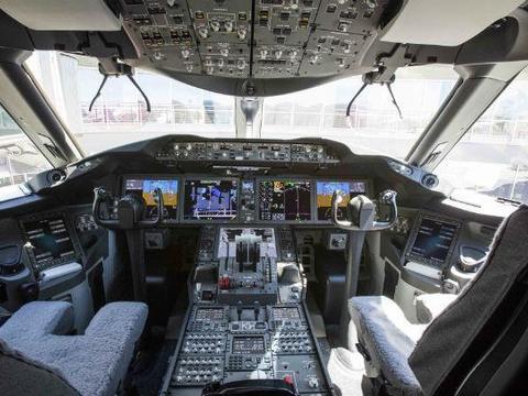 FAA发布适航指令要求解决787航电设备潜在数据显示故障